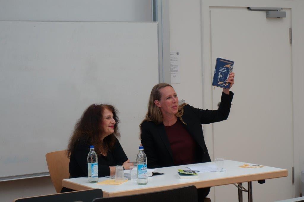 """Autorenlesung mit Carmen-Francesca Banciu zu ihrem neuen Roman """"Lebt wohl, Ihr Genossen und Geliebten!"""""""