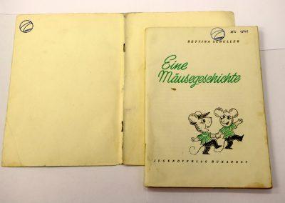 Buch mit abgelöstem Einband
